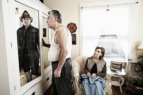 美国摄影师Tom Hussey的作品《A Mirrored Memory》(镜中回忆)-5