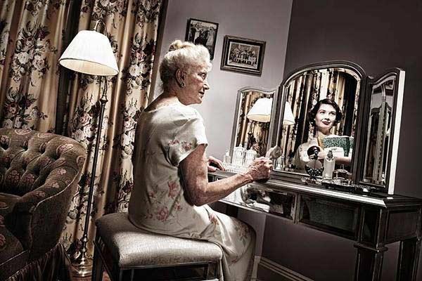 美国摄影师Tom Hussey的作品《A Mirrored Memory》(镜中回忆)-7